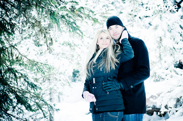 Lake Louise engagement photographer