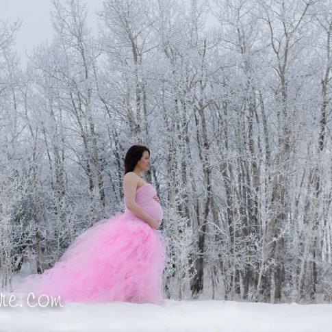 Winter maternity photo alberta
