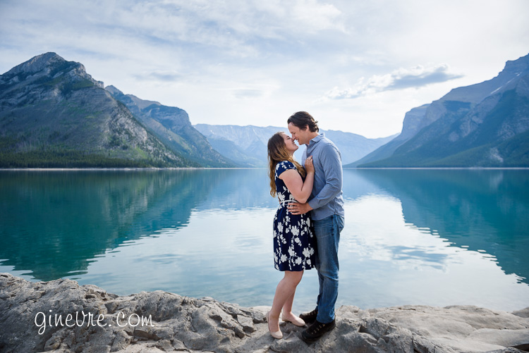 banff_engagement_canoe_proposal-15
