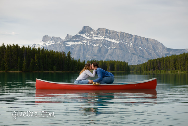 banff_engagement_canoe_proposal-8