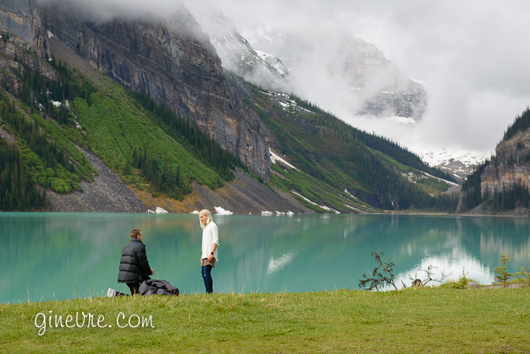 lake_louise_proposal_moraine_lake-1