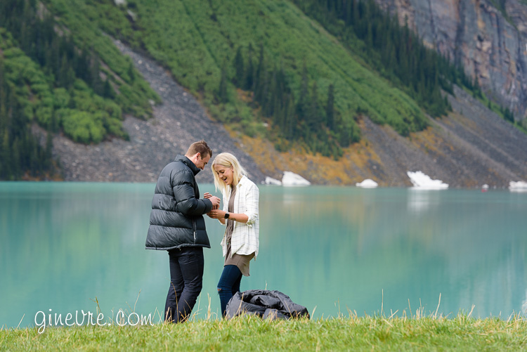 lake_louise_proposal_moraine_lake-2