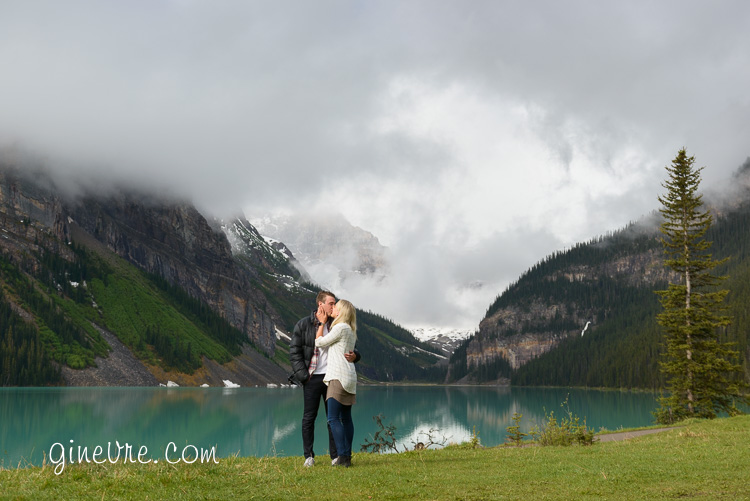 lake_louise_proposal_moraine_lake-6