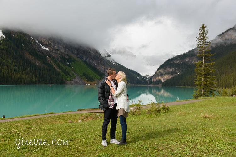 lake_louise_proposal_moraine_lake-8